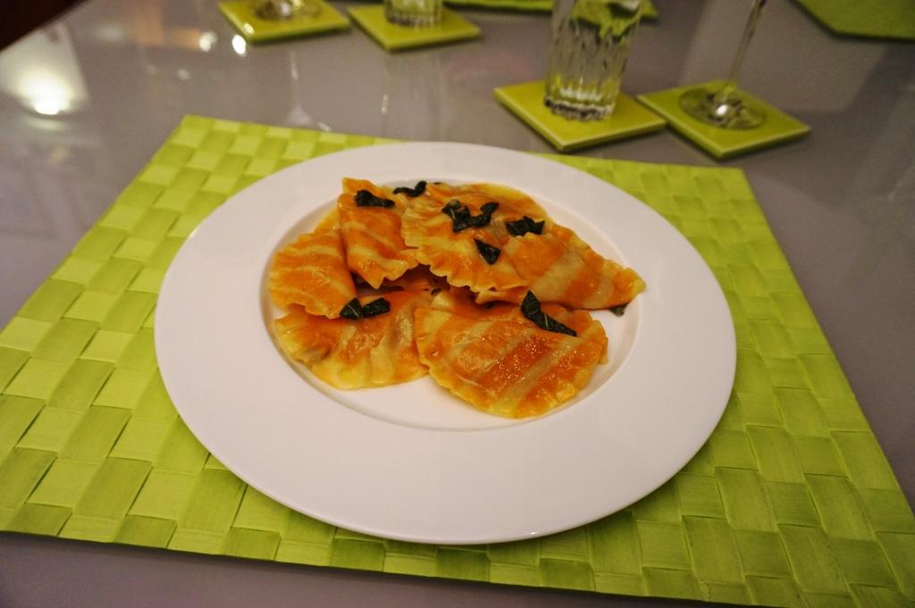 Ravioli mit Kürbis und Salbei-Butter