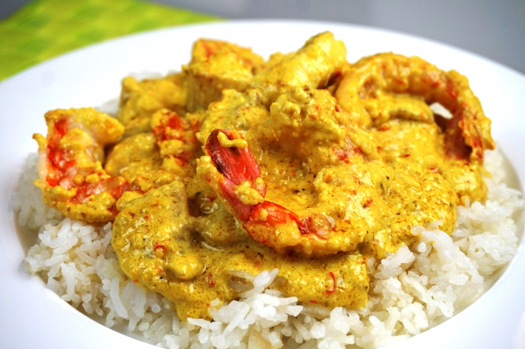 Thai fish curry with prawns