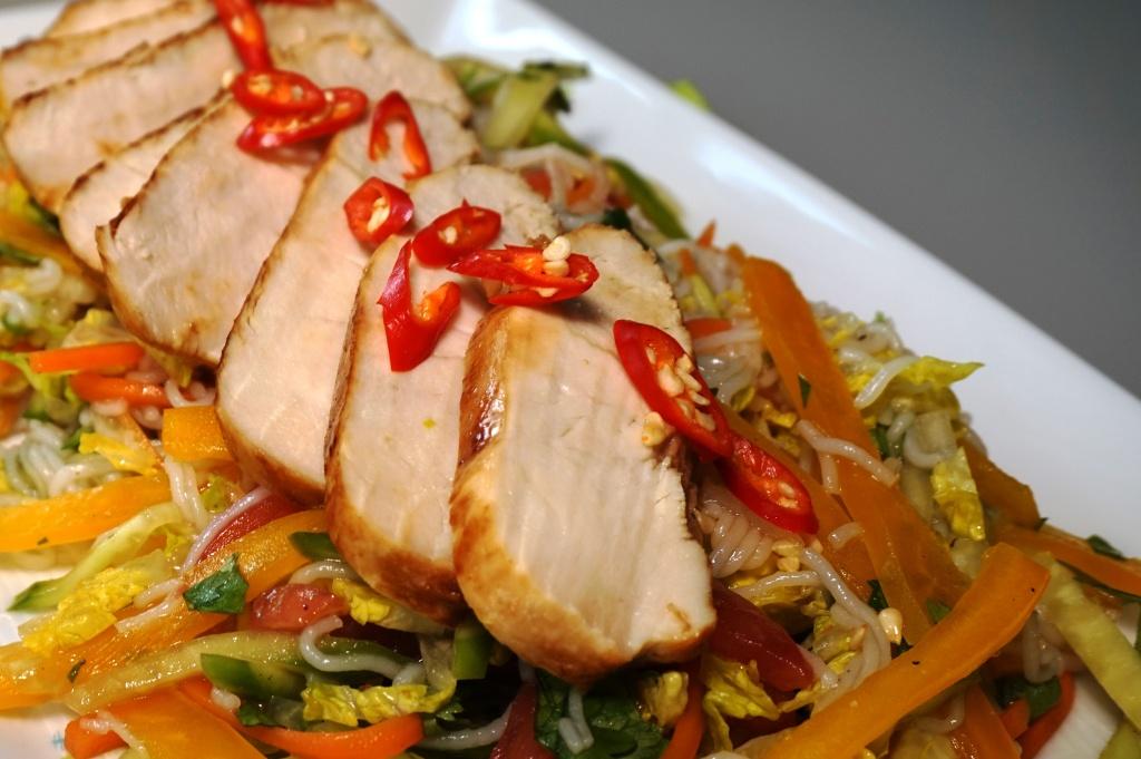 Limetten-Huhn auf Reisnudelsalat