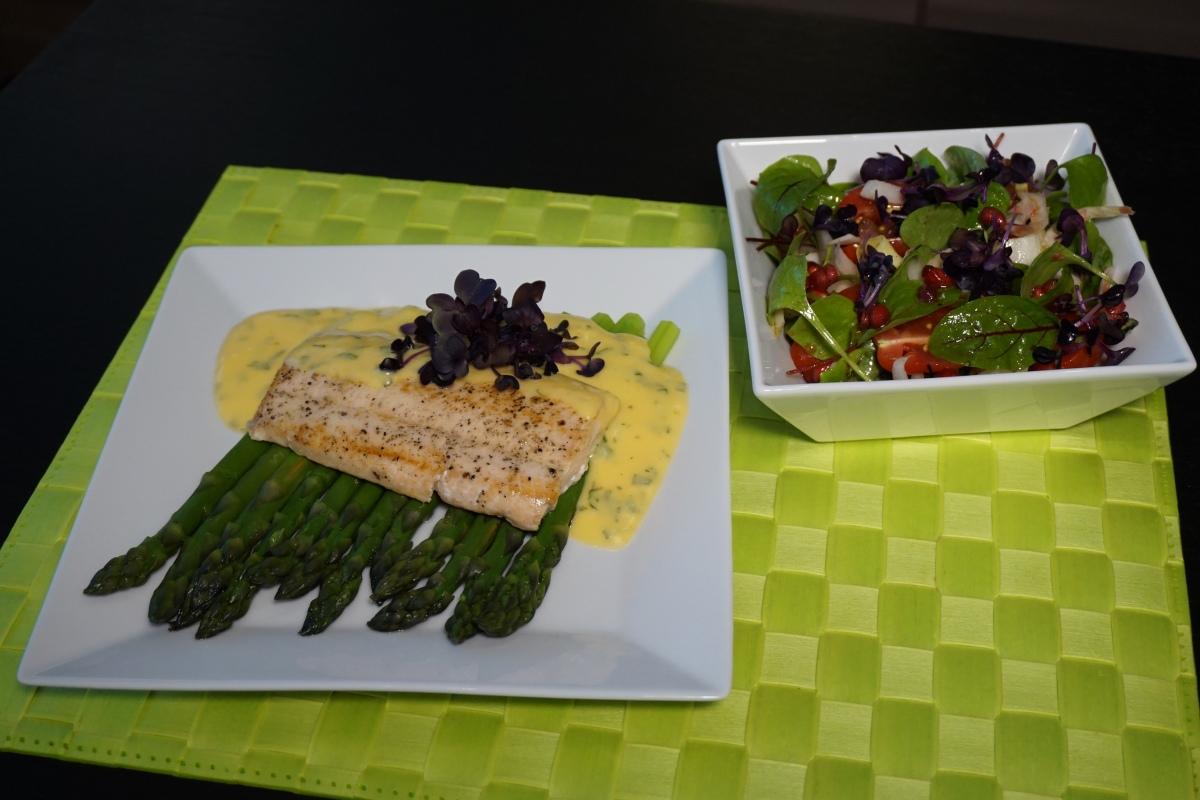 Frühlingsboten: Saibling und Grüner Spargel / Heralds of spring: Arctic char and green asparagus