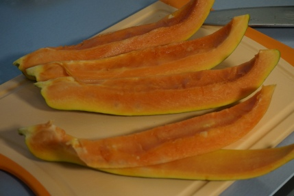 Papaya filetieren
