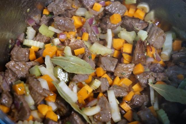Rindergulasch Karotte und Sellerie