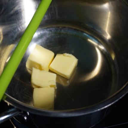 Butter auslassen